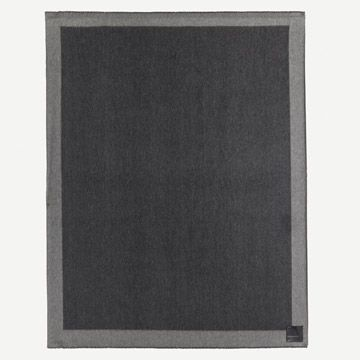 Arran Border Cashmere Throw in Charcoal