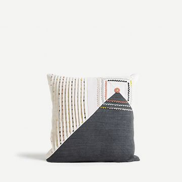 Asymmetric Loop Cushion
