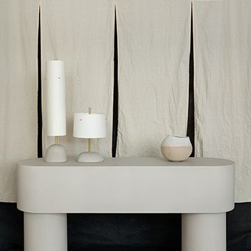 Pilotis Console Table (Chalk)