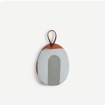 Small Platter with Handle in Grey