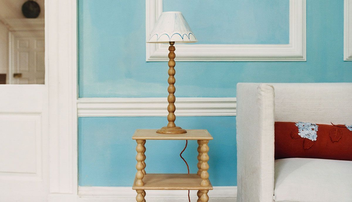 Bobbin Table Lamp in Blue Oak with Shade in Yellow