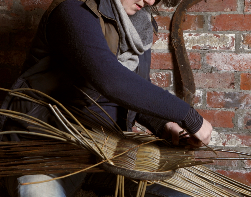Annemarie-Osullivan, Manipulating willow-The New Craftsmen 2