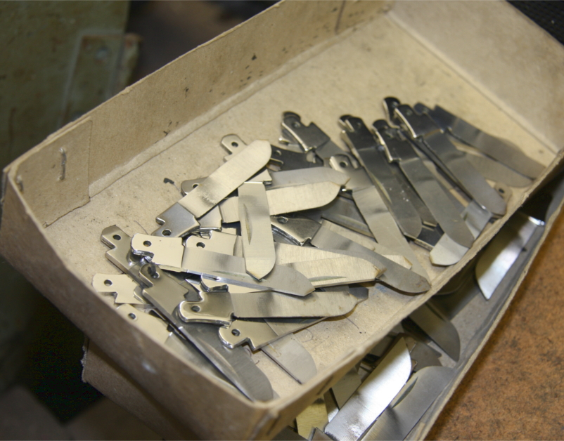 Taylor's Eye Witness Knife Making Process - The New Craftsmen