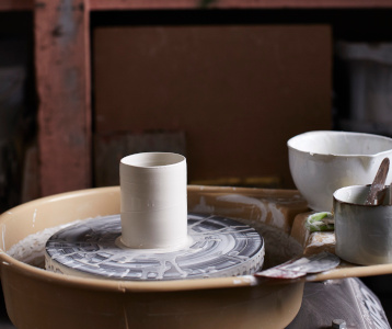 Elaine Bolt, Ceramicist The New Craftsmen